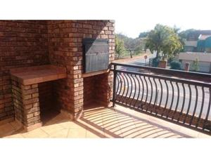 For the Investor * Neat and well managed * Huge 111 m2 unit * 2 bed /2 bath / lock up garage. Pretoria North