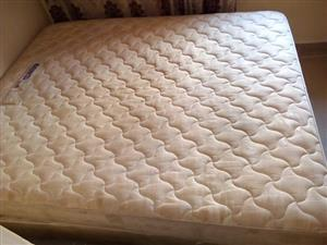 Urgent sale queen size bed for sale