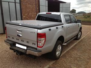 Load bin cover for a double cab Ford Ranger