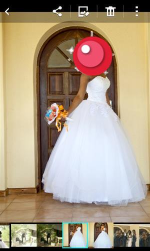 Beautiful wedding dress Size 30-32