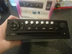 Peugot car radio for sale
