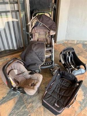 Graco quattro travel system pram