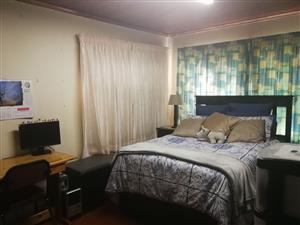 One bedroom flat for rent in Kilner Park Pretoria.