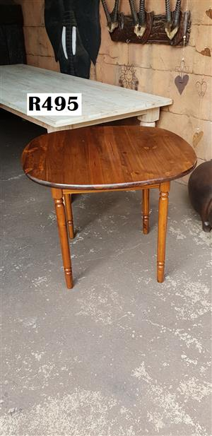 4 Seater Pine Kitchen Table (930x930x765)
