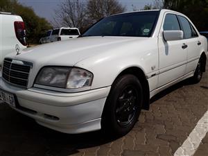2000 Mercedes Benz C-Class sedan no variant