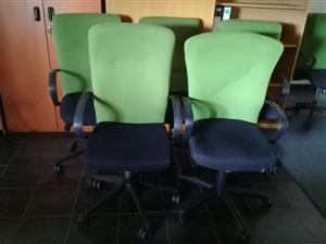 Lime/Black highback swivel chairs (40 chairs available)