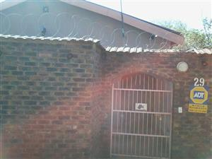 1 Bedroom flat to let in Riviera, Moot Area- Prepaid Electricity