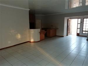 Townhouse up for rent in Nina Park Pretoria North