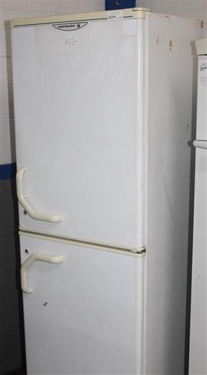White kelvinator fridge S037673B #Rosettenvillepawnshop