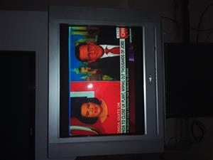 A very good condition tv 74 cm sell sell mahala price amount 950