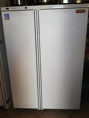 Astra Cool kombi 4000 Execurive Freezer Refrigerator