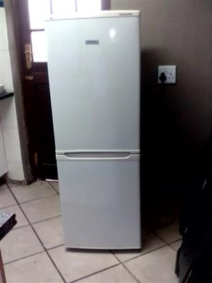 FRIDGE/FREEZER FOR SALE
