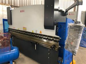 Press Brake, Hydraulic Bending Brake, 63Ton x 3200mm, Motorized Backstops with 2 Axis NC Control. Brand New