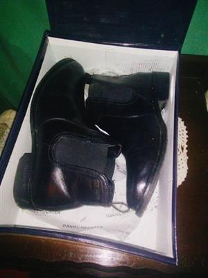Mans black shoes(boots) size 7 - Daniel Hechter