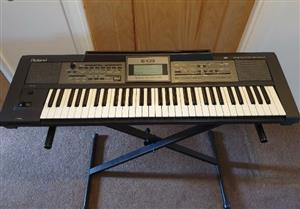 Roland E-09 61 Key Arranger