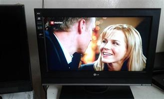 """26"""" Lg lcd tv for sale"""