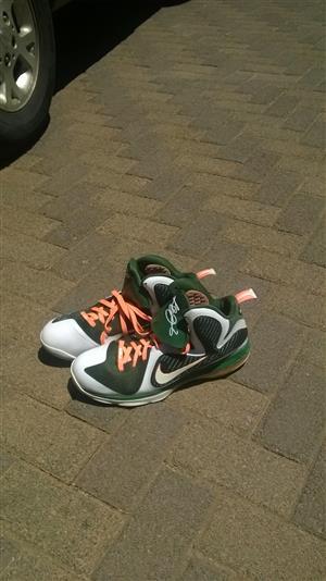 Lebron James Nike Nini Sneakers For Sale