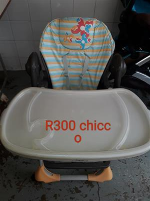 White Chicco feeding chair for sale