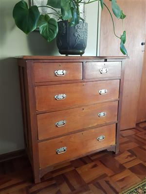 Chest of Draws Antique