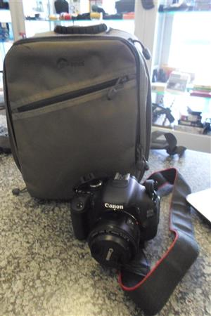 Canon EOS 600 D Camera