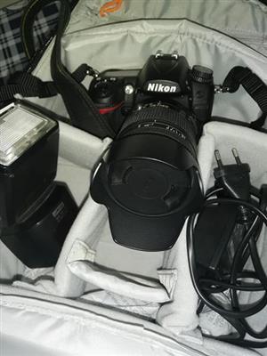 Nikon D7000 (FOR SALE)