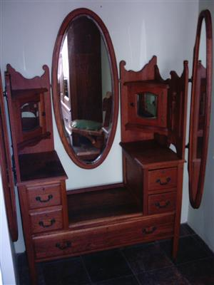 Oak Batwing dressing table