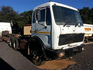 Mercedes Benz 2633 V-Series Truck-tractor & 15 m³ Hendred Tipper trailer