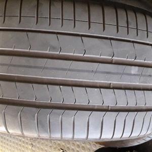 315/35R20 Pirelli rft