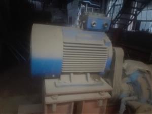 Industrial vacuum pump 75  watt motor its complete and like new used once