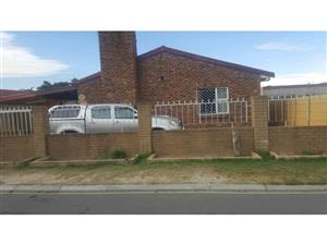 3Beds house for sale in Sunbird Park