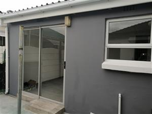 Newly renovated 2 bedroom outbuilding to let