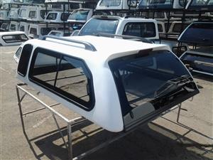TOYOTA HILUX EXTENDED VVT/D4D WHITE SMART CANOPY FOR SALE!!!