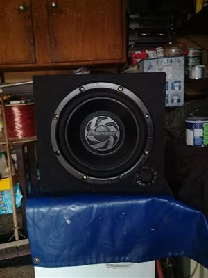 Pioneer sub 800w with the box