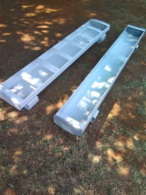 Feeding / Water Cribs