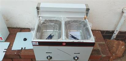 Brand new gas dubble deep fryer for sale
