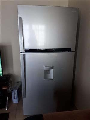 LG Regrigerator - Freezer