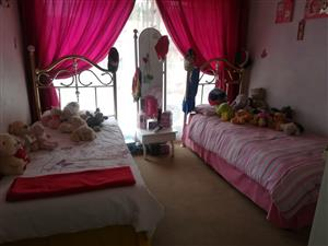 Twin single beds plus mirror for sale