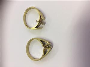 18ct Yellow Gold Engagement Ring Set