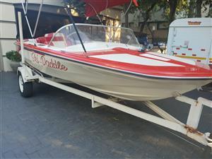 Ski Boat Mercruiser V6 4.3L Inbord motor 1968