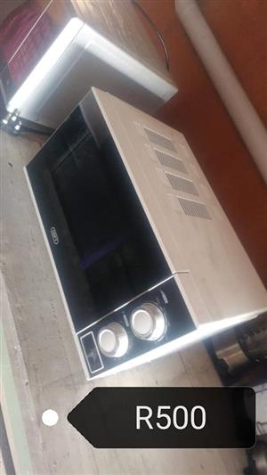 Defy microwave oven