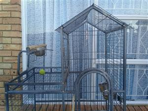 African grey cage to swap  for water fountain