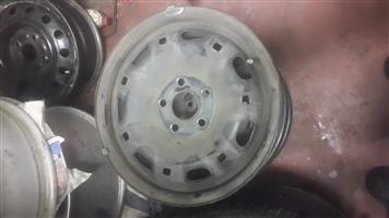polol vovo orginal stardard steal rims plus wheel caps