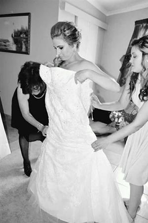 Wedding Dress Beautiful Lacy Summer Wedding dress.