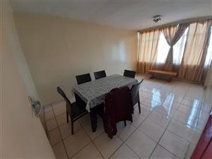 Proclamation Hill. Well priced 51 m2 flat in complex with remote controlled entrance.  1 bedroom, lounge / kitchen, bathroom, lock up garage