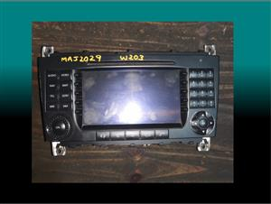 Mercedes w203 face lift second hand radio for sale