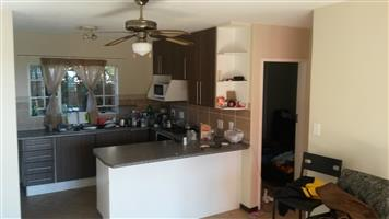 2 Bedroom Apartment / Flat to Rent in Mooikloof Ridge