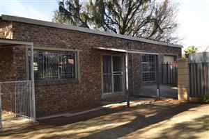 Price dropped : 2 Bedroom  cottage  (BUY DIRECT FROM OWNER, AVOID AGENT FEES)