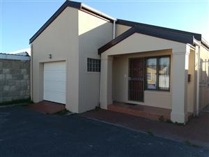 3 bedroom house with BIC near Wetton circle