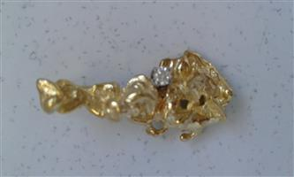 18CT GOLD AND DIAMOND NUGGET PENDANT