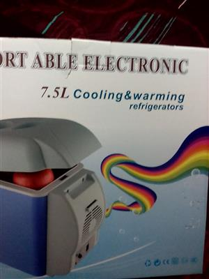 PORTABLE ELECTRONIC REFRIGERATOR 7.5L. COOLING AND WARMING